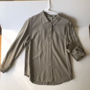 Cold water Creek button up shirt 100% Tercel M